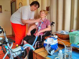 Ošetřovatelská a pečovatelská služba
